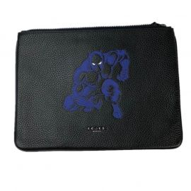 COACH 1825 COACH │ MARVEL LARGE POUCH WITH BLACK PANTHER IN BLACK MULTI