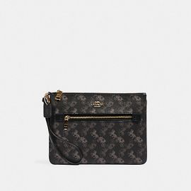 COACH 530 GALLERY POUCH WITH HORSE AND CARRIAGE PRINT BLACK GREY MULTI