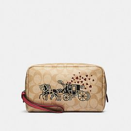 COACH 91062 BOXY COSMETIC CASE IN SIGNATURE CANVAS WITH HORSE AND CARRIAGE HEARTS MOTIF IN LIGHT KHAKI MULTI/POPPY